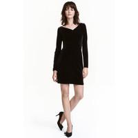 H&M Aksamitna sukienka 0466749001 Czarny
