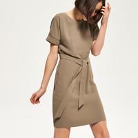 Reserved Sukienka w kolorze khaki QL933-87X