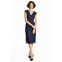 H&M Koronkowa sukienka 0483751002 Ciemnoniebieski