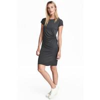 H&M Krótka sukienka 0533296002 Ciemnoszary