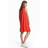 H&M Dżersejowa sukienka w serek 0491168006 Czerwony