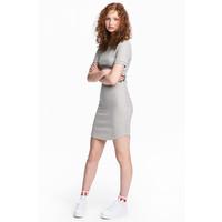 H&M Sukienka w prążki 0519929003 Szary