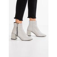 Topshop MISCHA Ankle boot grey TP711N06Y