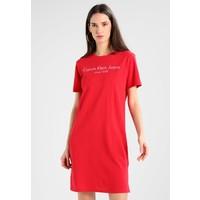 Calvin Klein Jeans DOON INSTITUTIONAL Sukienka z dżerseju tango red C1821C02B