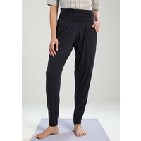 Curare Yogawear LONG LOOSE PANTS ROLL DOWN Spodnie treningowe midnight/blue CY541E001