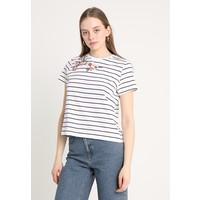 ONLY ONLEVA FLOWER PRINT T-shirt z nadrukiem bright white/black ON321D1FO
