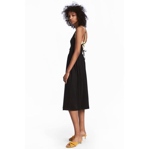 H&M Sukienka z dekoltem w serek 0543777004 Czarny
